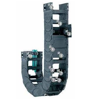 易格斯15150系列——拖链,可在两侧扣开,每两个链节有横杆