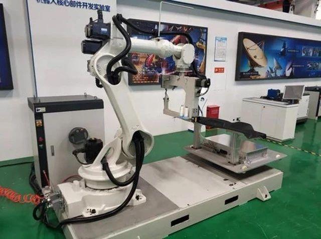 纺织|国内首个3D缝纫机器人研制成功,成功打破了国外企业垄断