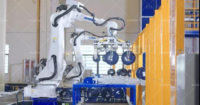 新跨越 | 新松助力长飞完成光纤行业首个智能制造工厂
