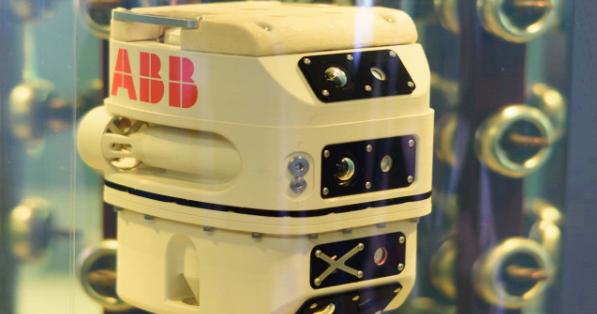 ABB全球首台?#33322;?#24335;变压器检测机器人,斩获国际电力行业大奖