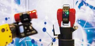 持续看好装备产业升级, 积极应对市场挑战