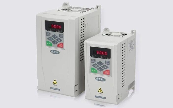 易能ENA100变频器在分切机上的应用