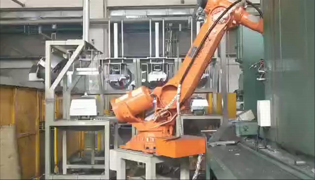 烤箱压铸机器人自动化案例