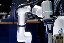 德国雄克公司联合非夕科技推出机床精加工上下料柔性自动化解决方案